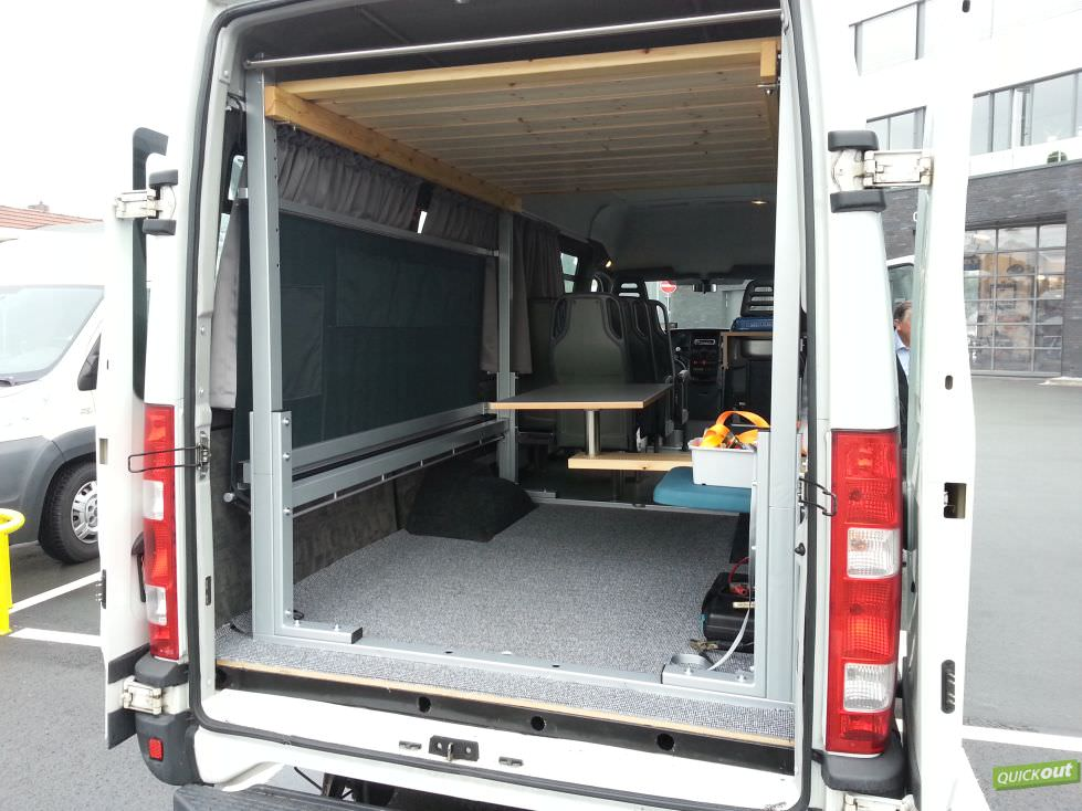 iveco daily kastenwagen ausbau quickout wohnmobilausbau. Black Bedroom Furniture Sets. Home Design Ideas