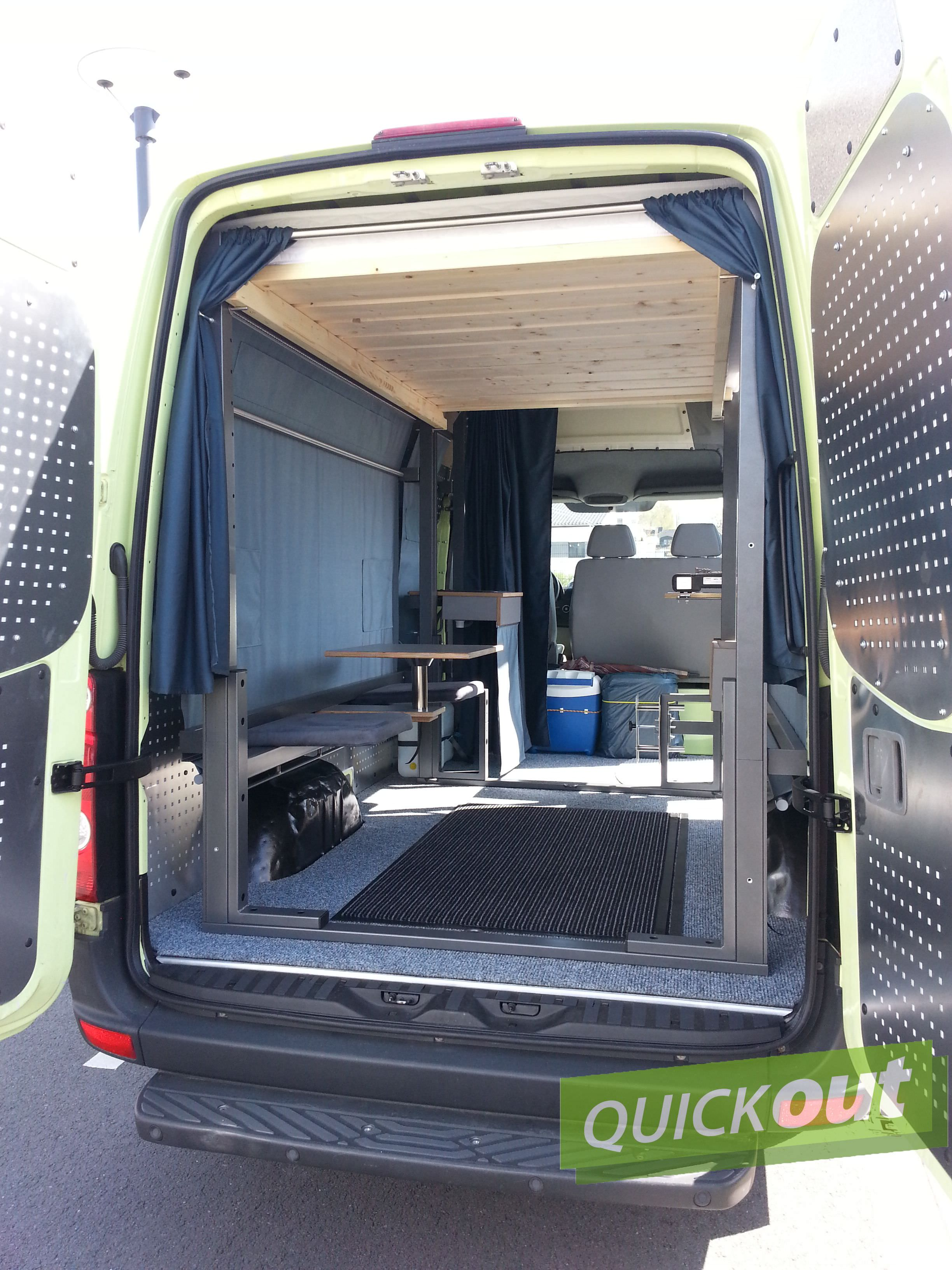 vw crafter quickout wohnmobilausbau. Black Bedroom Furniture Sets. Home Design Ideas